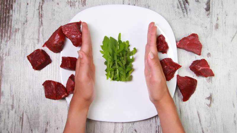 Replacing Red Meat with Plants Reduces Risk for Heart Disease and Early Death