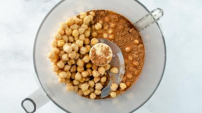 hummus in food processor